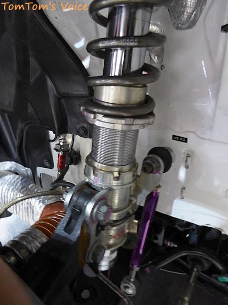 大阪オートメッセ2016でのトヨタGRMN86ニュル仕様車のフロントサス画像その2