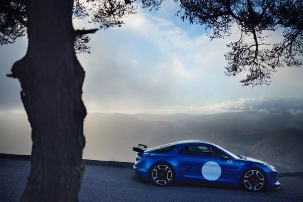 「Alpine Celebration Concept」のサイド画像