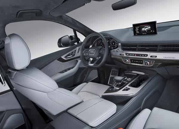 新型「SQ7 TDI」のシート画像