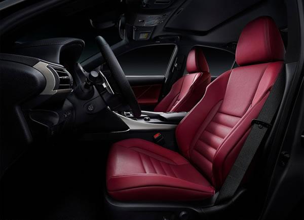レクサスの新型ISフロントシート画像