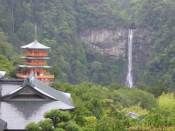 飛龍権現と呼ばれる那智の滝