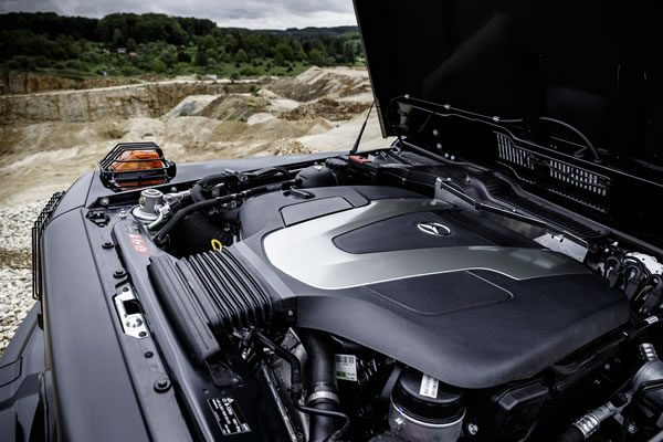 メルセデス「G350d Professional」のエンジン画像
