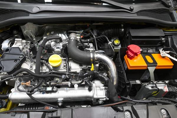 Clio RS16 Conceptのエンジン画像