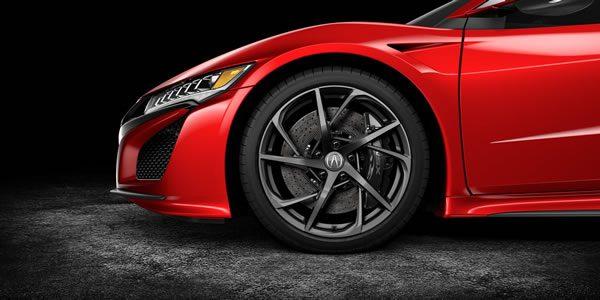 新型NSXのカーボンセラミックブレーキ画像