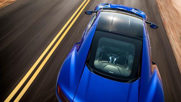 新型NSXの後方上からの画像