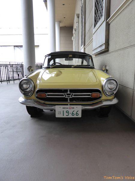 トヨタヒストリックガレージで展示中の1966年ホンダS800のフロント
