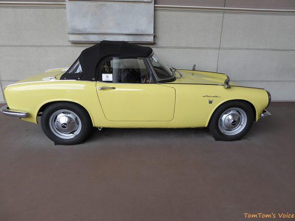トヨタヒストリックガレージで展示中の1966年ホンダS800のサイド