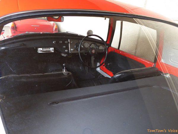 トヨタヒストリックガレージで展示中の1965年トヨタスポーツ800のインパネ