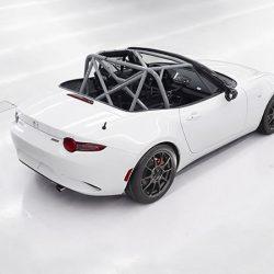 独自規格の「GLOBAL MX-5 CUP仕様車」はキャロッセ製で7,884,000円 意外と高いじゃないか