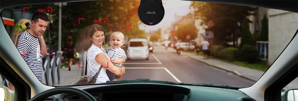 ASUSのRECO Sync Car and Portable Camをフロントウィンドウに取り付けたところ