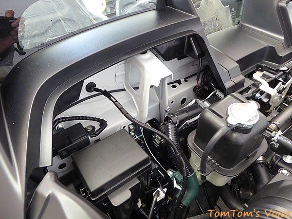 S660のバックカメラ配線のエンジン側引き込み