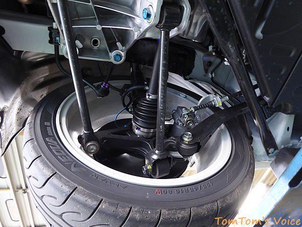 S660のレーシングカーのようなリアサスペンション