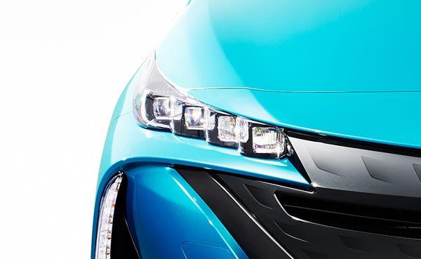 トヨタ新型プリウスPHVのヘッドライト
