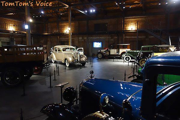 GLION MUSEUMのヴィンテージカー展示ブース