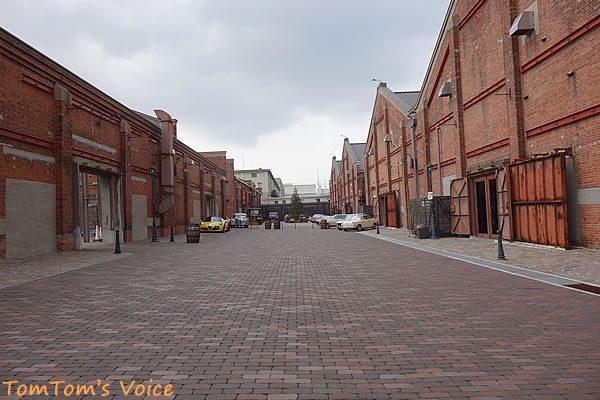 GLION MUSEUMの全景、右がMUSEUMとショールーム、左がパーキングとステーキハウス