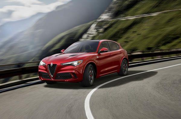 「Alfa Romeo Stelvio Quadrifoglio」のフロント画像