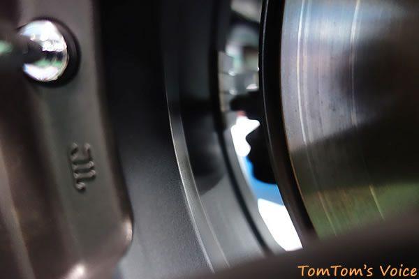 S660のリアに15インチのダンロップST01ホイールの6J+38を装着したがアームとウェイトのクリアランスが無さ過ぎ