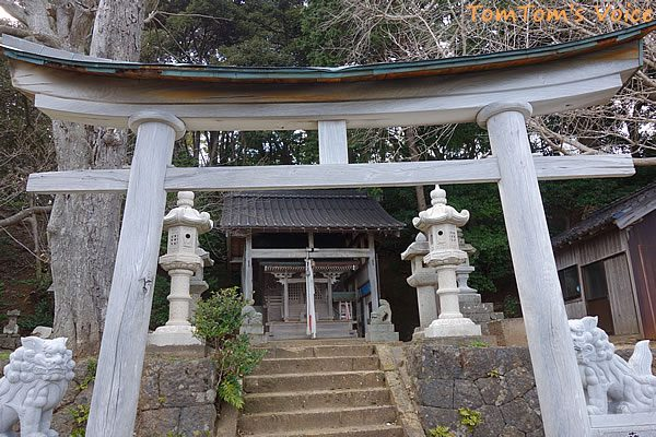 S660で行く春の但馬と丹後へのプチ弾丸ツアー、伊根町の新井崎神社の本殿
