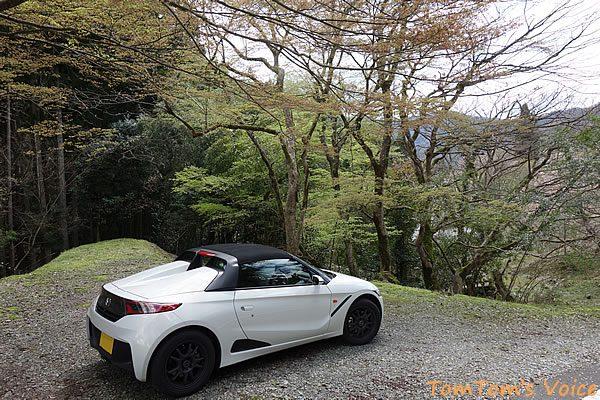 S660で行った遅い桜を探す京都美山町、美山町の大原神社前にて