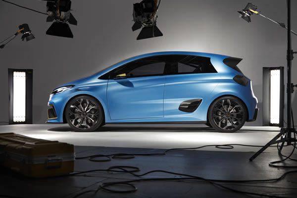 ルノー「Zoe e-Sport Concept」、リアルのサイド画像