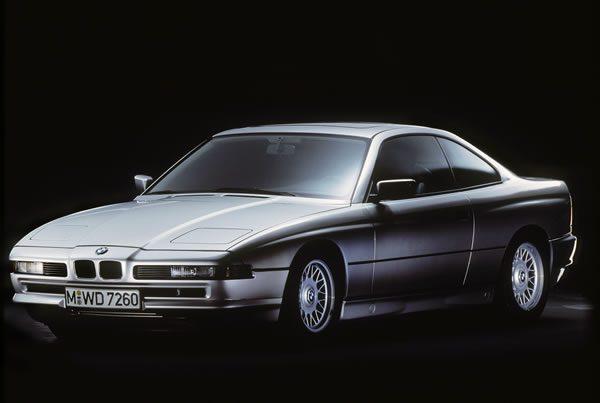 往年のBMW 850i 1989年モデルフロント