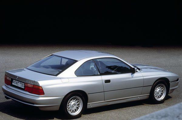 往年のBMW 850i 1989年モデルリア