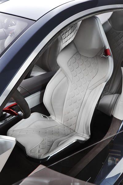 「BMW Concept 8 Series」のシート画像