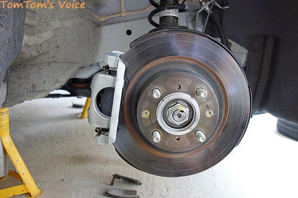 S660のブレーキパッド交換、右フロントもパッド交換して各部をお掃除