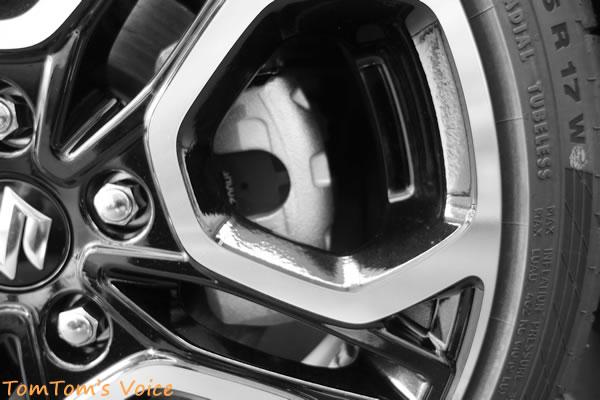 新型スイスポZC33S、フロントキャリパー