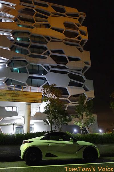S66で行ったポートアイランド、凝った建物