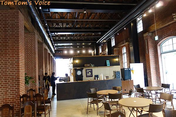 赤レンガパーク内イベントホールのカフェ
