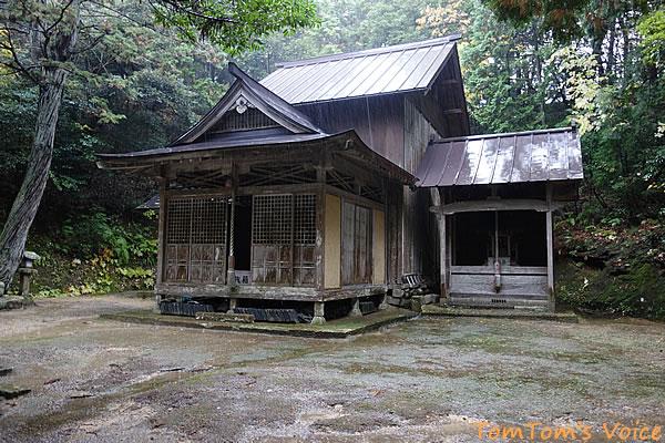 丹後半島の弥栄町船木の奈具神社本殿