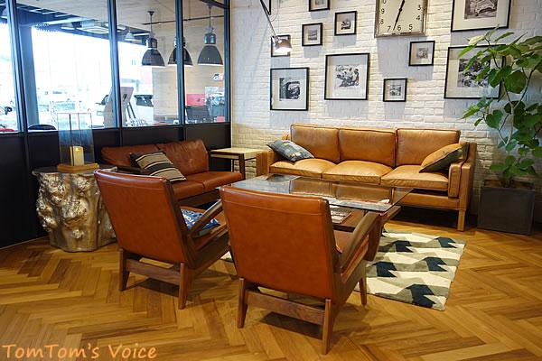 「GR Grage」神戸垂水のソファ だれでも使用してよいようだ