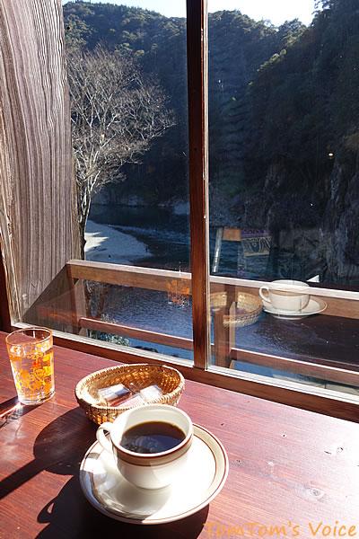 瀞ホテルの窓際で飲むコーヒーは至福のひととき
