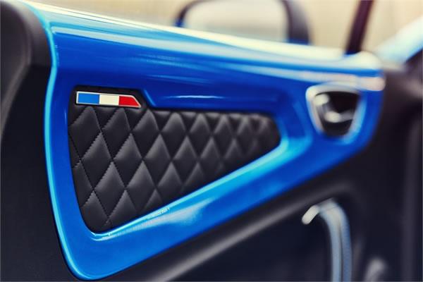 「Alpine A110 Première Edition」のドア内装