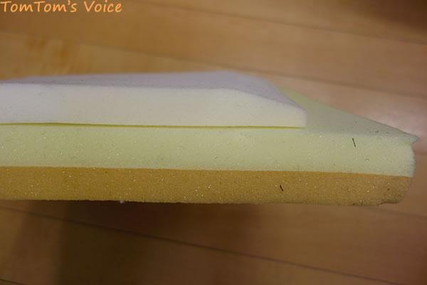 茶色の低反発層だけプラスした厚み、オリジナルは面取りしてある