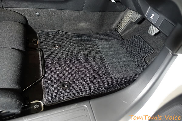BRZ用の絨毯フロアカーペットをS660に装着したところ、その2